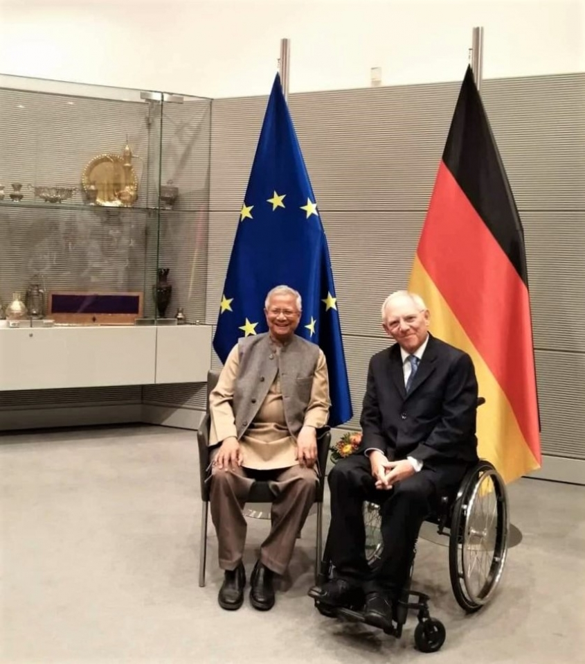 Speaker of German Parliament meets Yunus to Discuss Social Business
